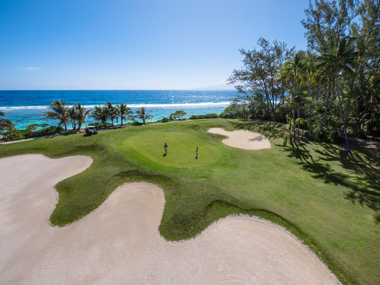 https://tahititourisme.kr/wp-content/uploads/2017/08/ACTIVITES-TERRESTRES-Moorea-Green-Pearl-Golf-1.jpg