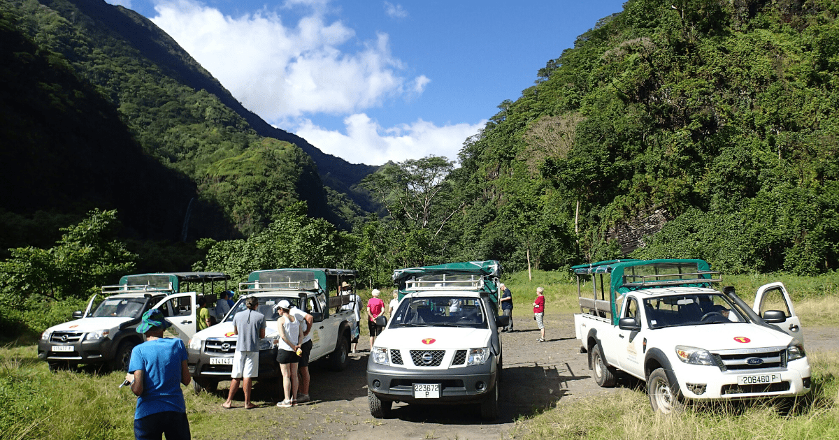 https://tahititourisme.kr/wp-content/uploads/2017/08/TahitiSafariExpeditions2_1140x550-min.png