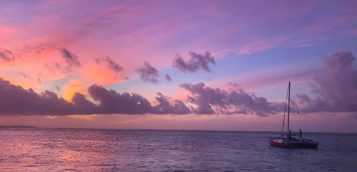 https://tahititourisme.kr/wp-content/uploads/2017/08/voilamoorea_sunset_1140x550.png