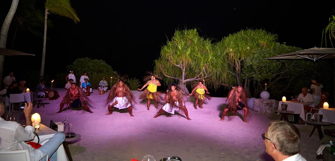https://tahititourisme.kr/wp-content/uploads/2018/01/FRNT_BRANDO_TahitianShow.jpg