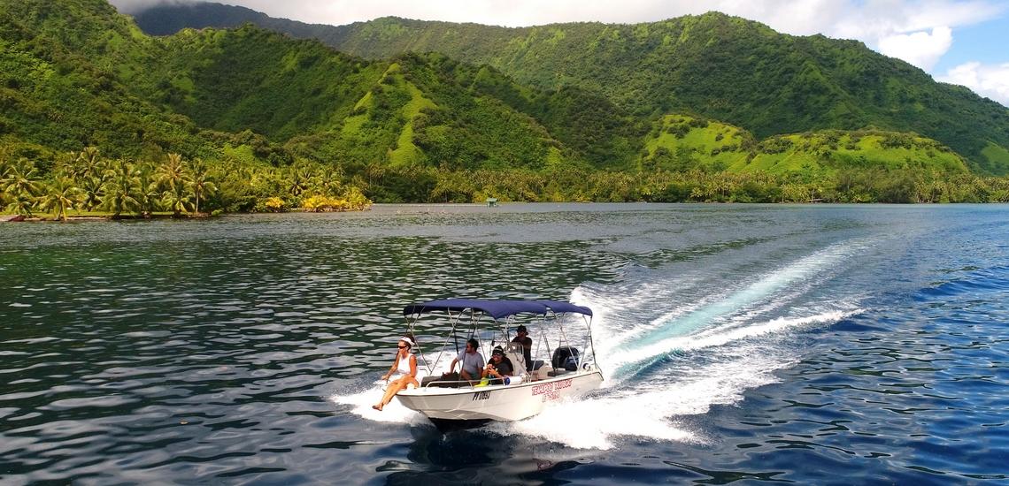 https://tahititourisme.kr/wp-content/uploads/2018/02/ACTIVITES-NAUTIQUES-Teahupoo-Taxi-Boat-1.jpg