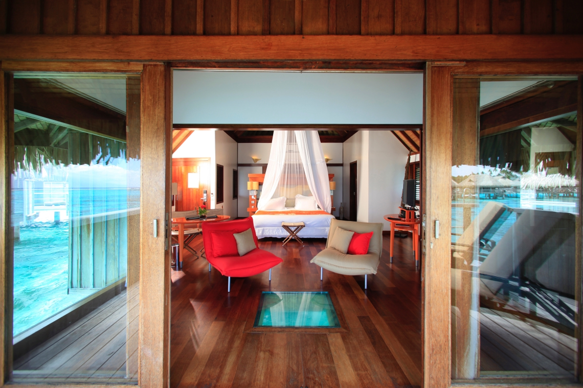 https://tahititourisme.kr/wp-content/uploads/2018/03/LGG_Luxury-Overwater-Bungalows-3.jpg