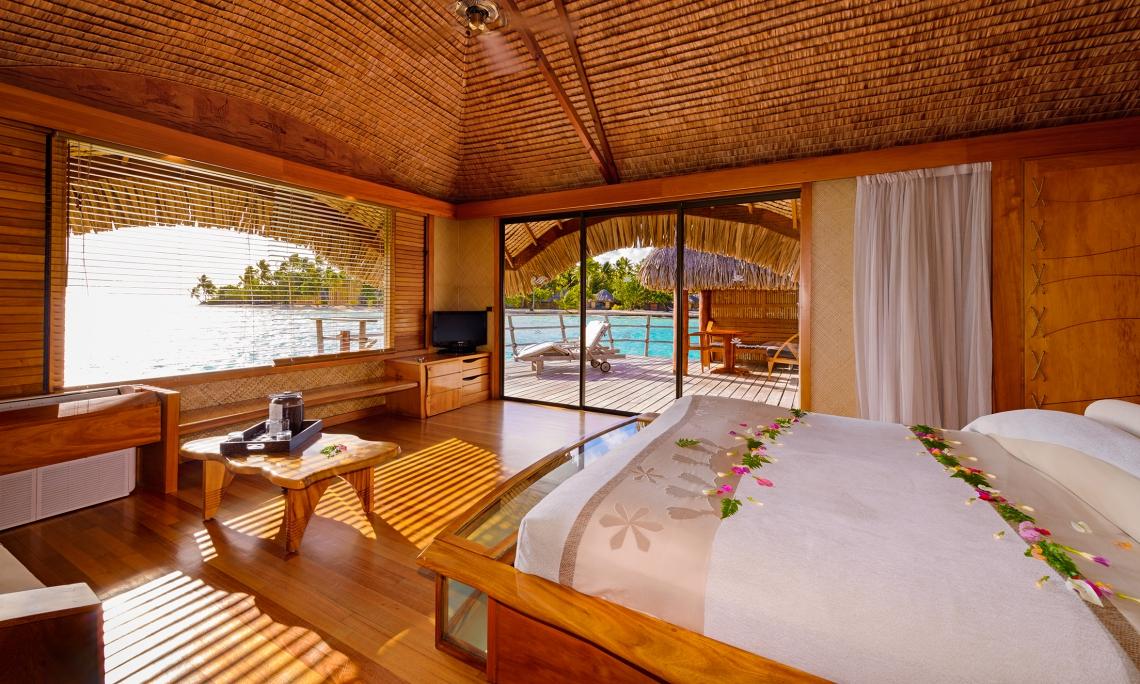 https://tahititourisme.kr/wp-content/uploads/2018/03/LGG_tahaa-overwater-bungalow-11.jpg