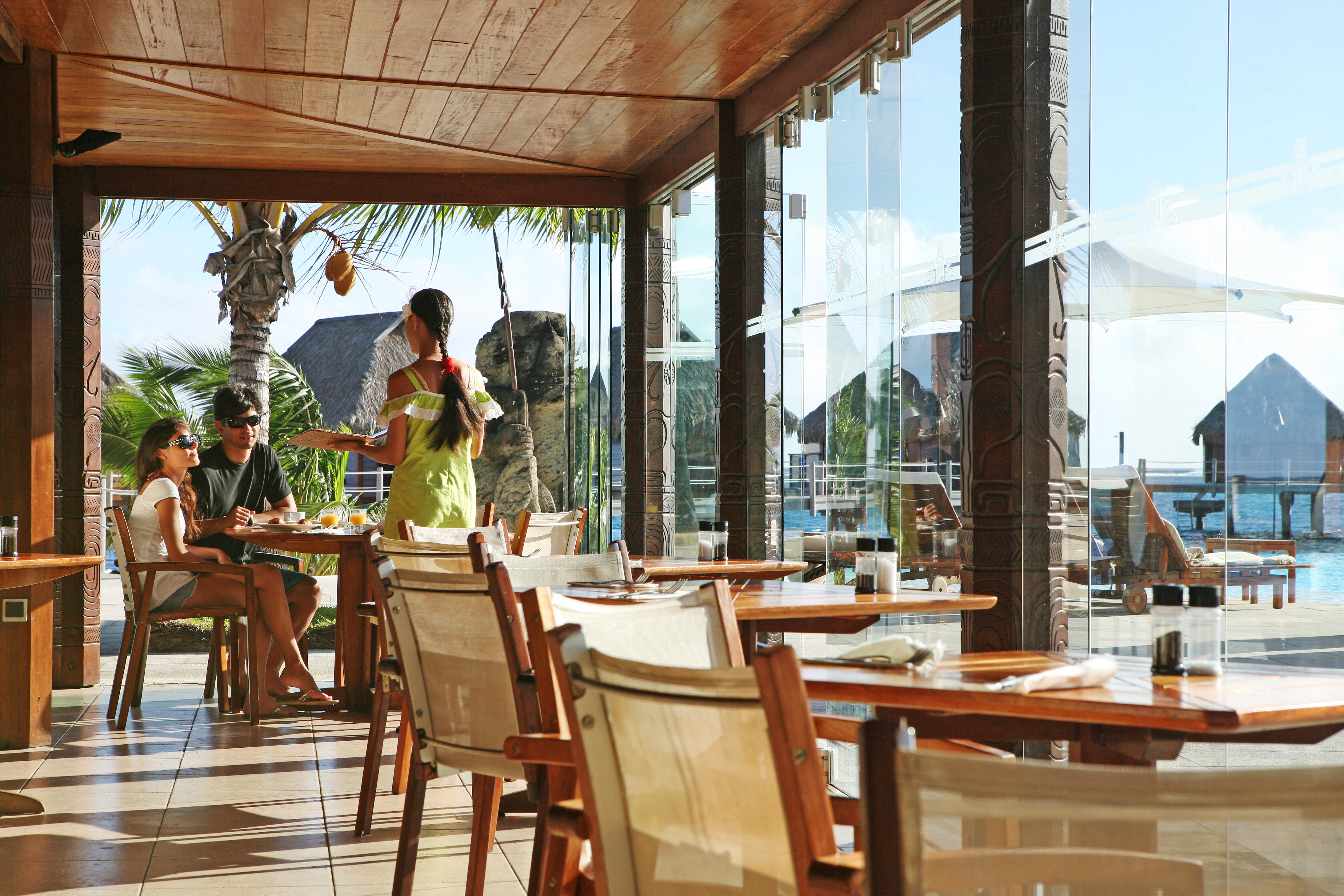 https://tahititourisme.kr/wp-content/uploads/2018/03/RESTAURATION-Restaurant-Mahanai-3-Greg_LeBacon.jpg