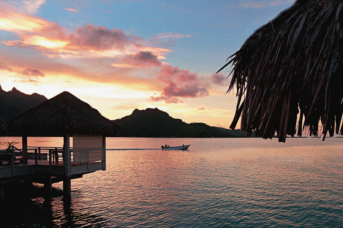 https://tahititourisme.kr/wp-content/uploads/2020/01/Sunset-from-Deluxe-OW-1.jpg