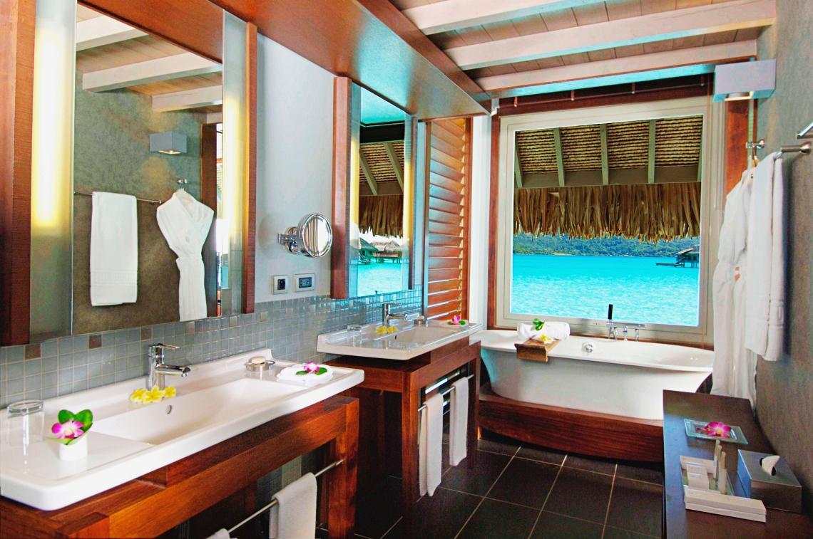 https://tahititourisme.kr/wp-content/uploads/2020/01/overwater-villas-bathroom-1.jpg