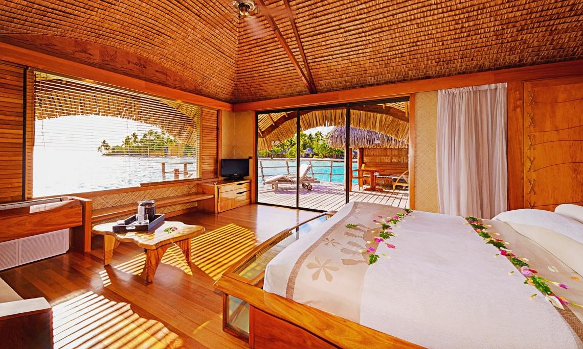 https://tahititourisme.kr/wp-content/uploads/2020/01/tahaa-overwater-bungalow-11-1.jpg