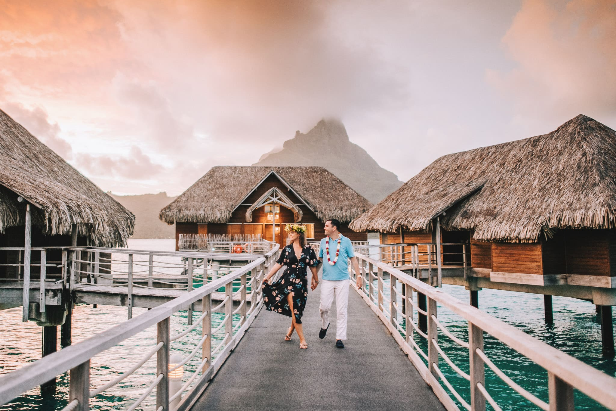 https://tahititourisme.kr/wp-content/uploads/2021/04/Bora-Bora-Photographer-Honeymoon-Wedding-couple-10.jpg
