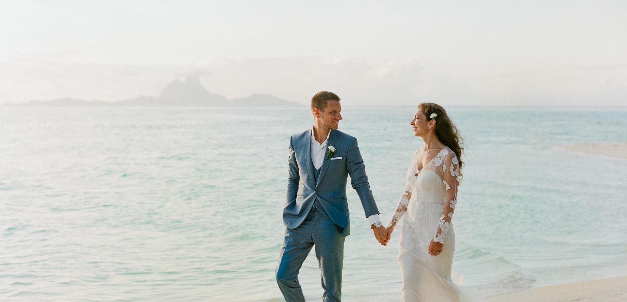 https://tahititourisme.kr/wp-content/uploads/2021/04/PCP-Bora-Bora-Photography-Couple-Wedding-sunset.jpg